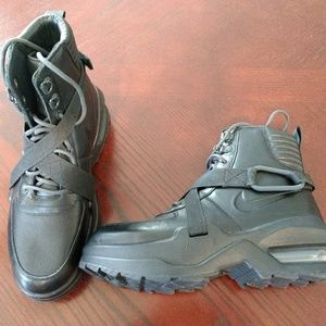 Nike Air Max Goadome Womens Boots